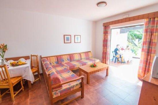 Rio Playa Blanca Hotel: interior