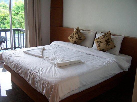 Andaman Resort: amplia habitación