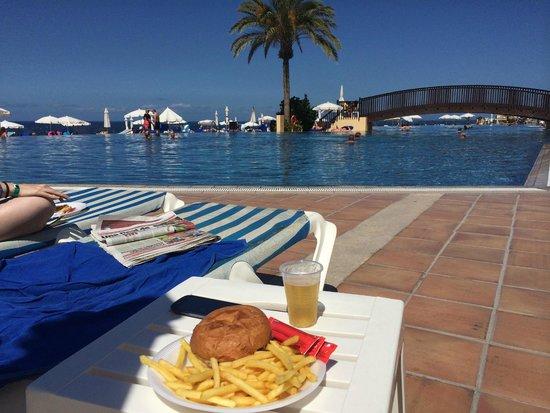 Bahia Principe Tenerife : Snack bar piscina