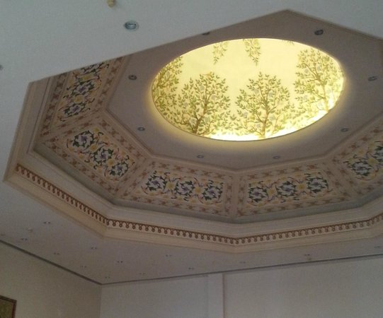 The Ummed Jodhpur : Intricately designed High Ceiling Dome in reception area