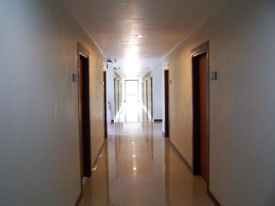 Andaman Resort : corredor habitaciones