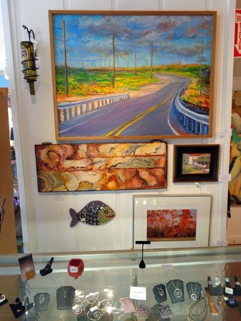 KDH Cooperative Gallery and Studios: Paintings, mosaics and jewelry