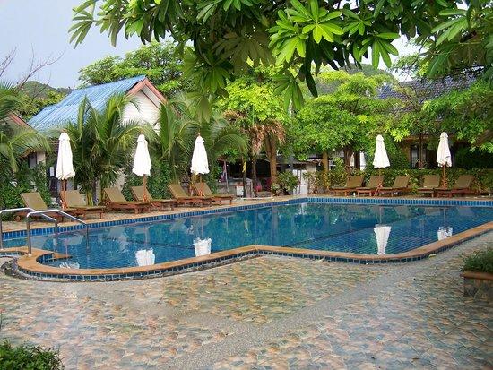 Andaman Resort: piscina