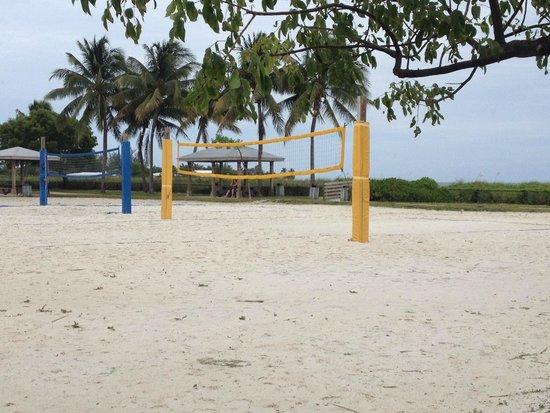 Sombrero Beach : Sand Volleyball