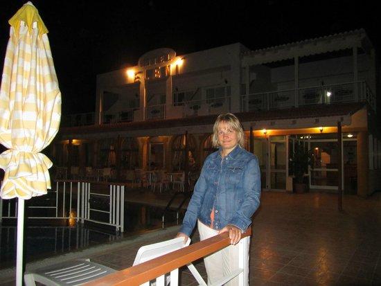 Eleni Hotel: вечерняя посветка