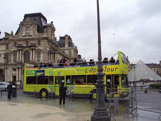 L'Open Bus Tour : Esperando o onibus...