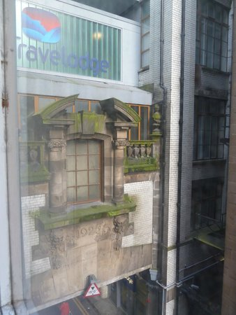 Travelodge Edinburgh Central Princes Street: View from room on the second floor