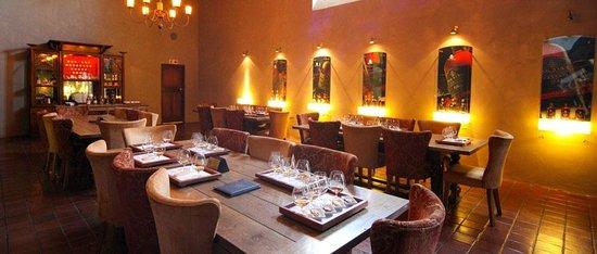 Van Ryn's Distillery : End the tour in the tasting room