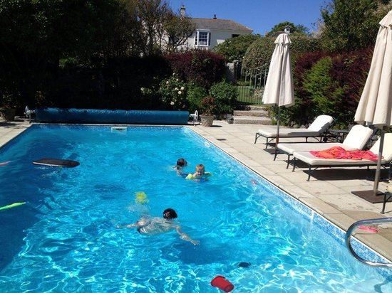 Landewednack House: Child friendly pool