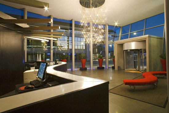 NH Padova: Lobby