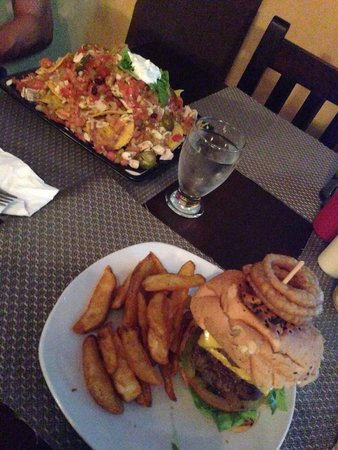 Restaurant Baru: Hamburger en nacho's