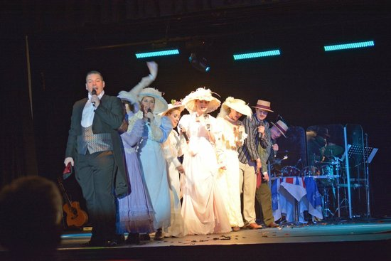 Mill Rythe Holiday Village : Old Time Musical 02