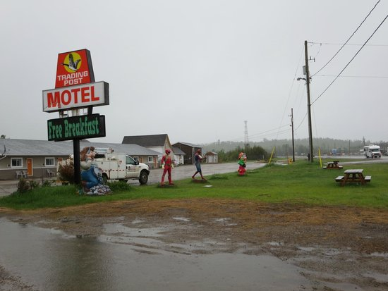 Trading Post Motel Ignace: Superheros in front of the Trading Post Motel