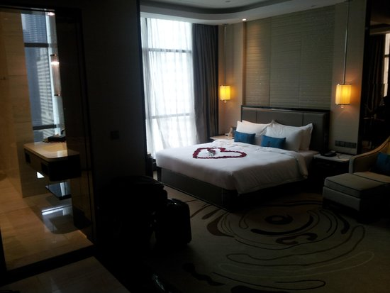 Pacific Regency Hotel Suites : the exec suite