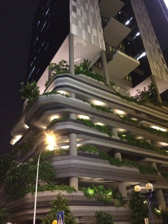 PARKROYAL on Pickering: Night view of the hotel