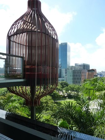 PARKROYAL on Pickering: Birdcage for lounging