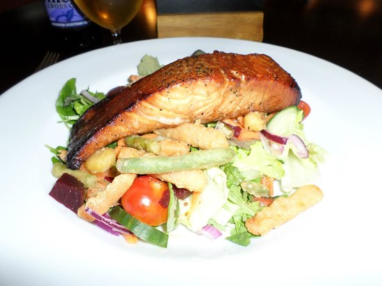 Fiddler's: whisky and honey salmon salad