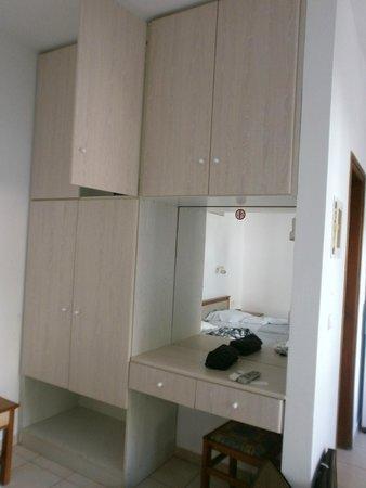 Hotel Evilion Kato Stalos: room