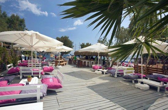 Dalga Beach Bar Grill