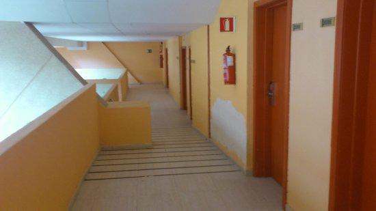 Hotel Beatriz Costa & Spa: Vue de la chambre_beaucoup de bruit venant des aérateurs