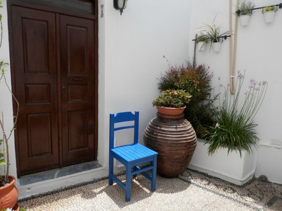 Lindos Boutique Rooms : Courtyard