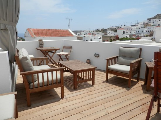 Lindos Boutique Rooms: Roof terrace