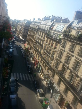 Best Western Paris Gare Saint Lazare: View from our room