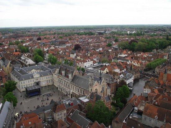 Belfort: Vista da Burgplein (Praça Burg).