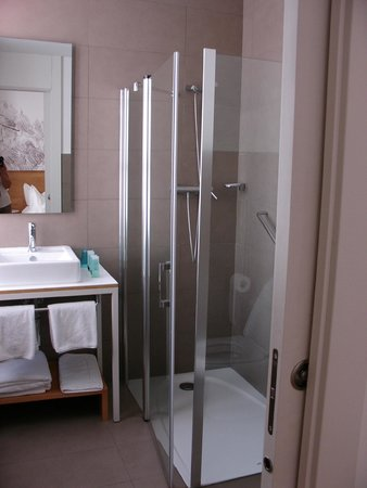 Hotel Parraga Siete: Bathroom of room no. 36