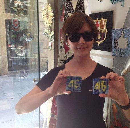 Mosaiccos: Visit from Taiwan- make your trencadis mosaic like Gaudi- Trencadis Barcelona