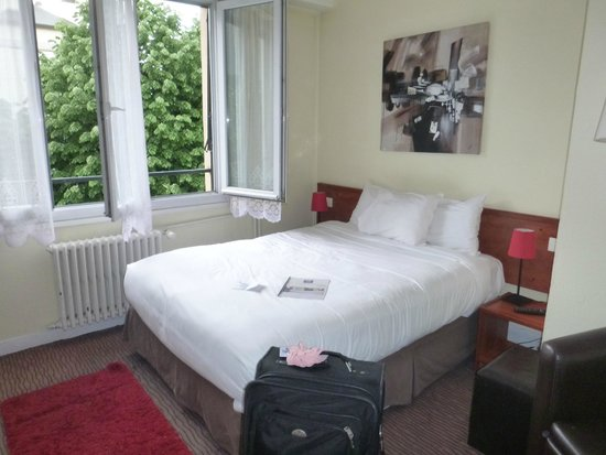 Comfort Hotel Rouen Alba: small rooms but clean