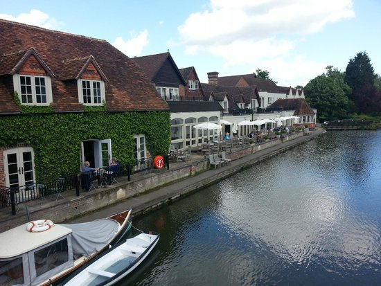 The Swan at Streatley: Looking at the Swan from bridge