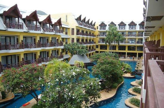 Woraburi Phuket Resort & Spa: внутренний двор