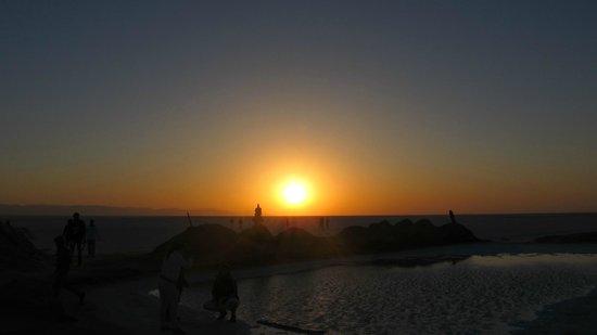 Chott El Jerid: восход солнца на озере
