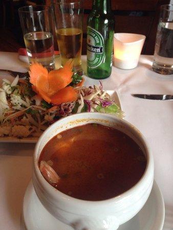 Restaurant Maison Phayathai: Tom yam and calamari.. must try!