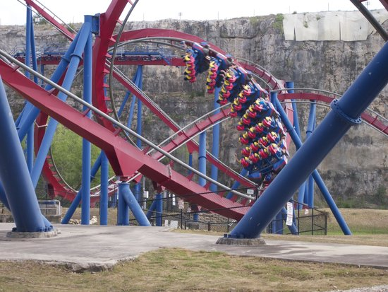 Six Flags Fiesta Texas : Superman: Krypton