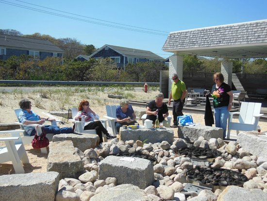 Harbor Hotel Provincetown: The fire pit is a great place to enjoy a drink and good company