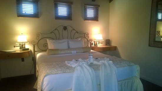 Andreas Hotel & Spa : Room with robes
