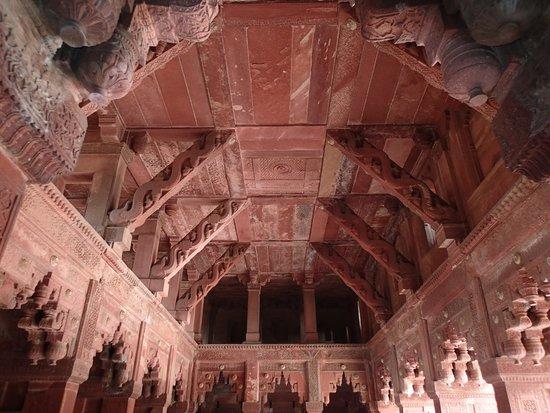 Fort rouge d'Āgrā : Intricate stonework