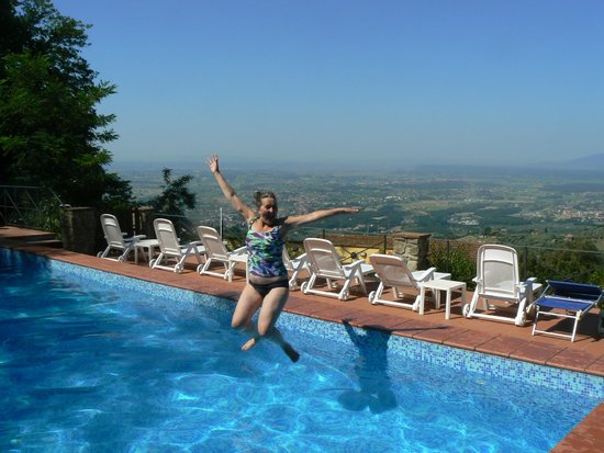Hotel Bellavista : Zwembad boven in de tuin