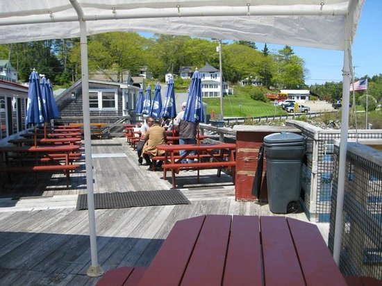 Robinson's Wharf: Outside seating