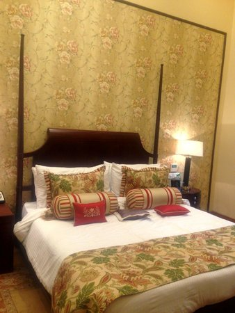 The Claridges Nabha Residence, Mussoorie: the very comfortable bed