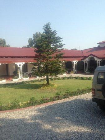 The Claridges Nabha Residence, Mussoorie: the parking area