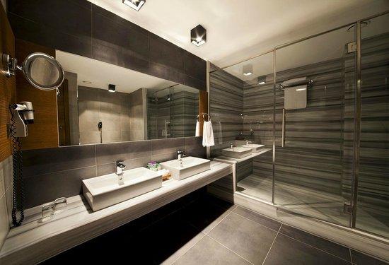 Point Hotel Barbaros: Executive Senior Suite Bathroom
