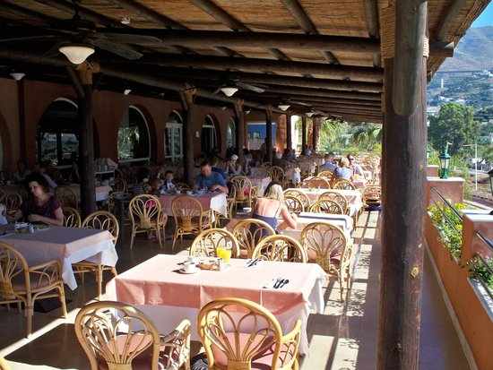 Playacalida Spa Hotel: Speiseterrasse