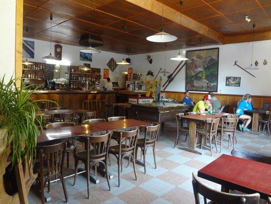 Hotel Restaurant Castillan : le bar