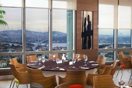 Point Hotel Barbaros: View Point Restaurant