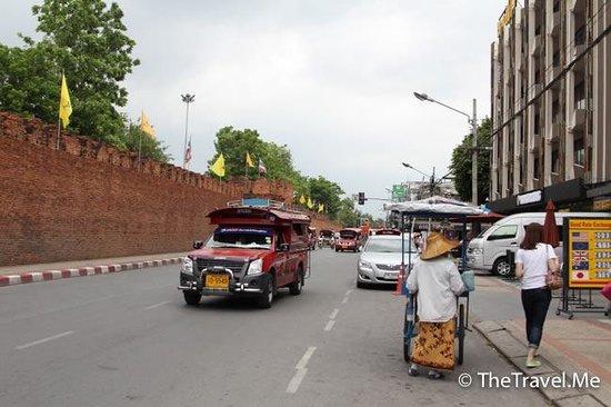 塔佩門(Tha Phae Gate)