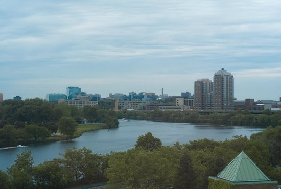 DoubleTree Suites by Hilton Boston-Cambridge: A room with a view