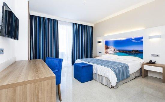 Globales Playa Estepona : Habitación